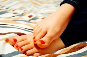 feet-931921_640-300x199